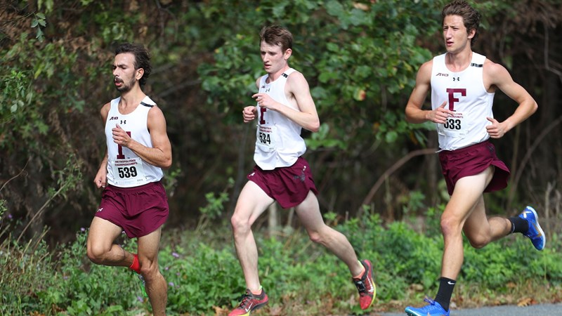 Men's Cross Country Defends Metropolitan Championship